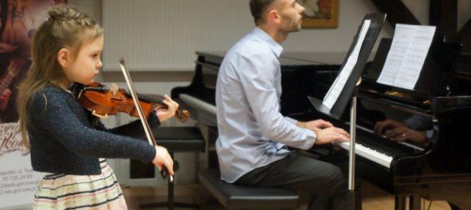 Abstrakcyjnie w szkole muzycznej