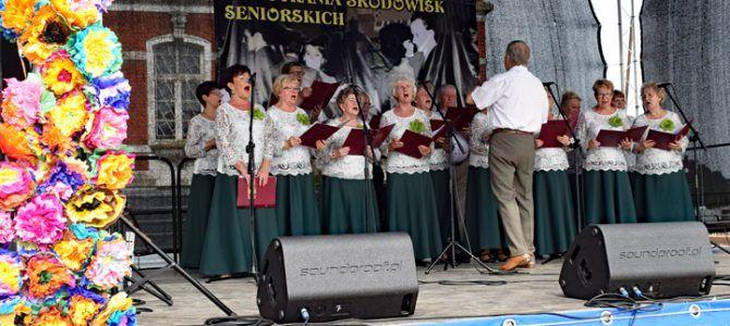 "Chór ""Uniwerek"" na Gorzowskich"